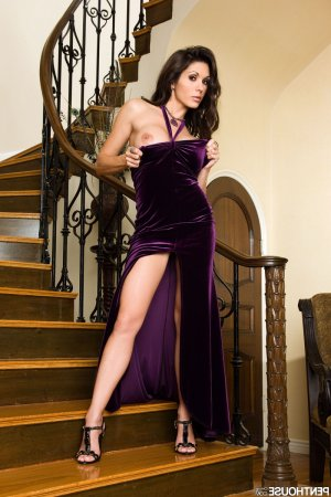 Veia escorts in Cookeville